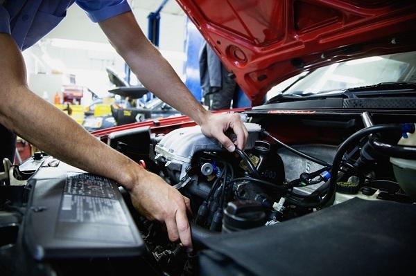 Tùng Anh Auto kiểm tra và định giá xe với mức giá tốt nhất